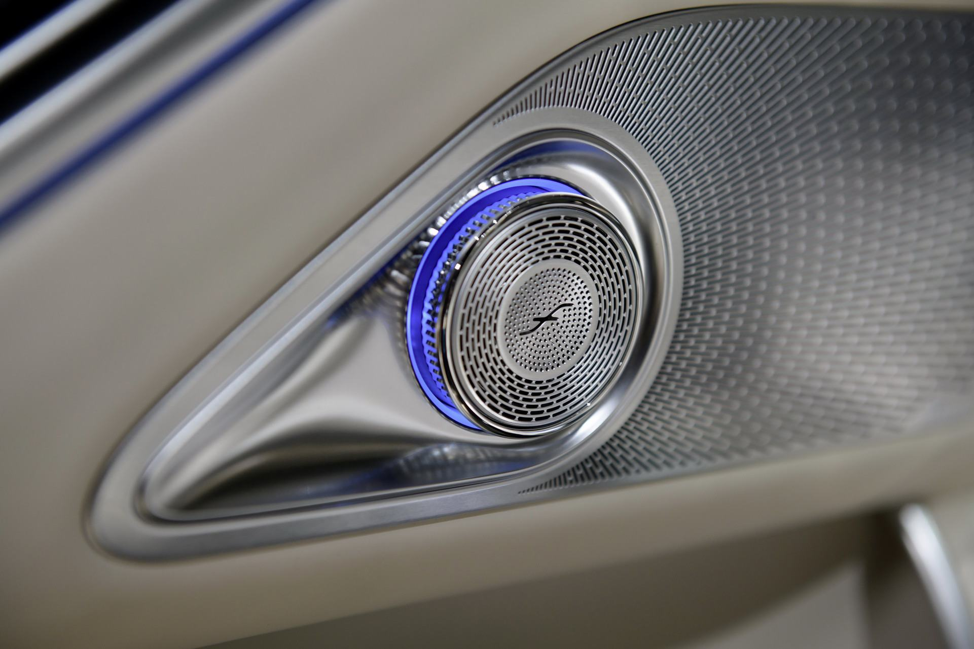 Loa-chat-luong-cao-xe-Mercedes-Maybach-S-Class-2021-muaxegiatot-vn