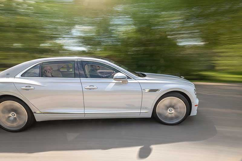 hong-xe-bentley-flying-spur-2021-muaxegiatot-vn