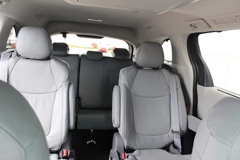 noi-that-xe-toyota-sienna-2021-limited-muaxegiatot-vn-10