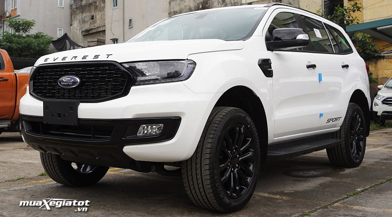 gia-xe-cua-ford-everest-sport-2021-muaxegiatot-vn-1