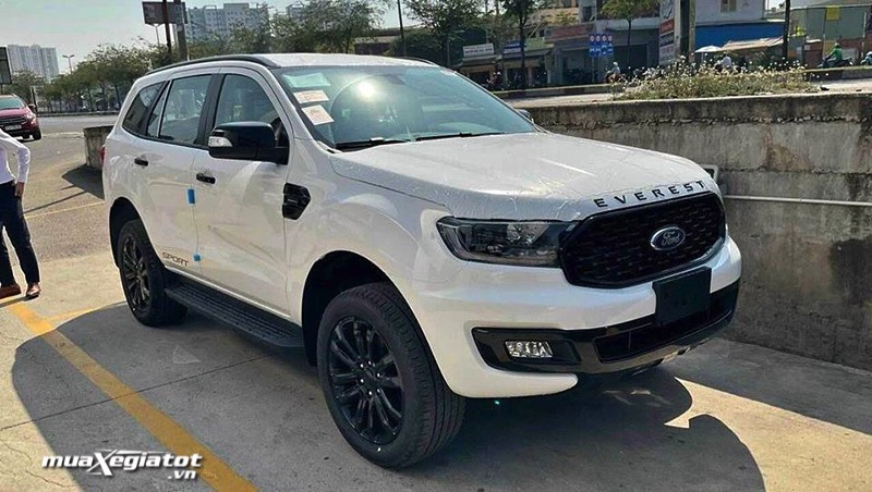 hinh-anh-ford-everest-sport-2021-muaxegiatot-vn