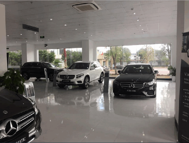 trung-bay-xe-dai-ly-mercedes-benz-vinamotor-nghe-an-vinh-muaxegiatot-vn